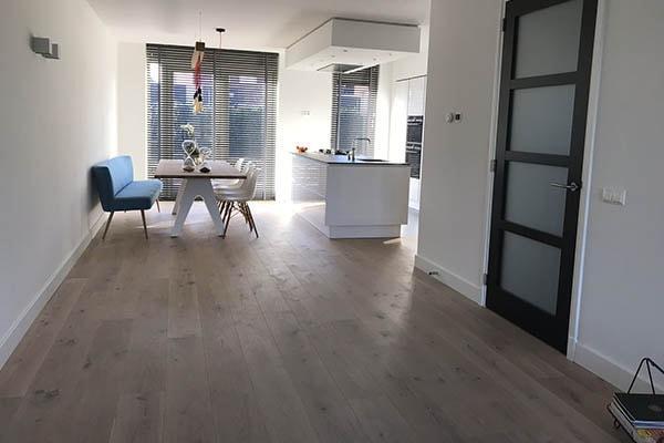 Eiken multiplank vloer leggen velden al vloeren venlo houten