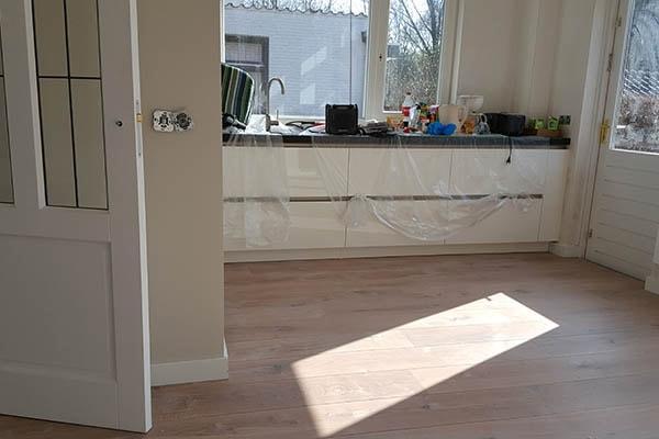 Eiken multiplank vloer leggen venlo al vloeren venlo houten