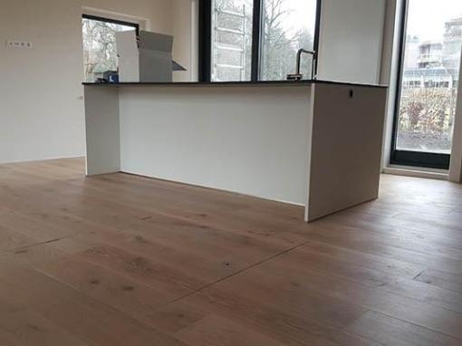 Eiken Multiplank vloer leggen Villa in Oosterbeek