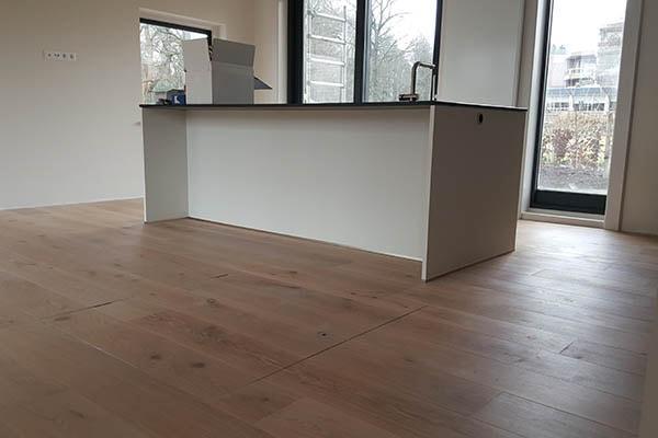 Eiken Multiplank vloer leggen Villa in Oosterbeek 00