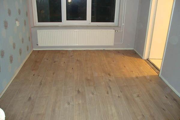 Houten Vloeren Roermond : Laminaat vloer leggen roermond al vloeren venlo houten vloeren