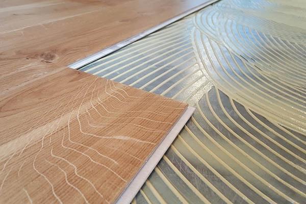Multiplank eiken vloer verlijmd leggen Venlo