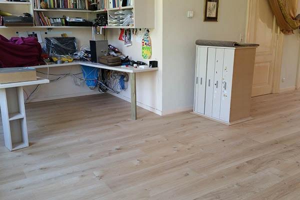Multiplank eiken vloer zwevend leggen Venlo 03