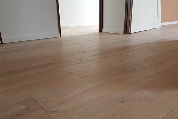 Douwes Dekker elegant laminaat vloer leggen Venlo 03