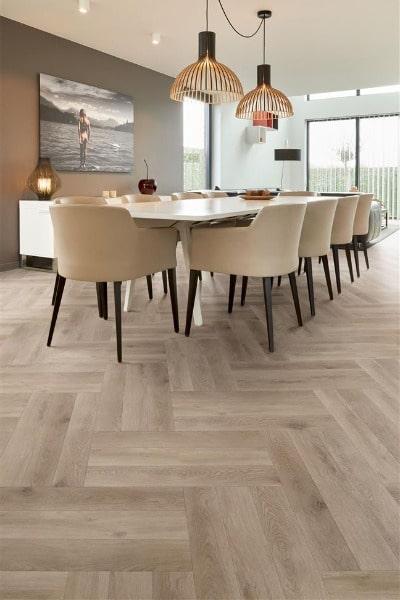 COREtec the Naturals Herringbone VG807 Meadow impressie - AL Vloeren Venlo - Visgraat PVC vloer kopen Venlo